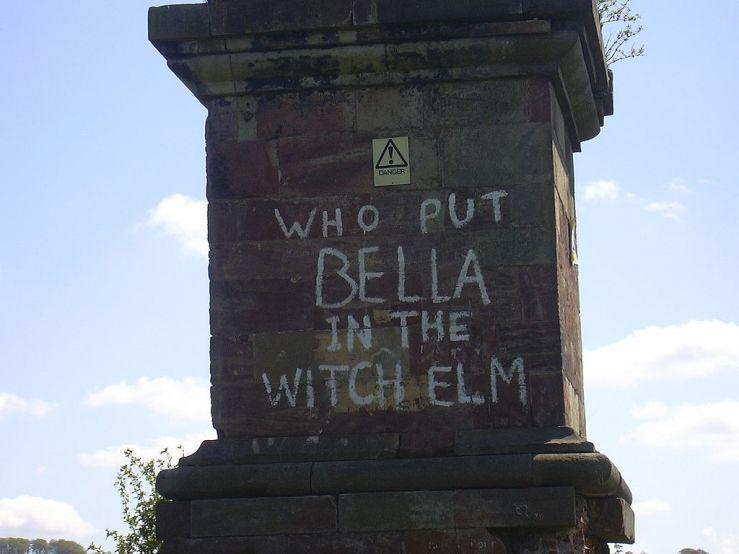 1024px-Bella_graffiti