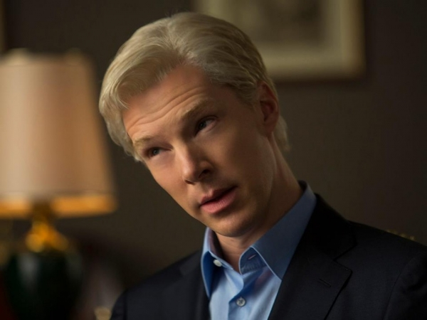 benedict-cumberbatch-as-julian-assange-the-fifth-estate-facebook